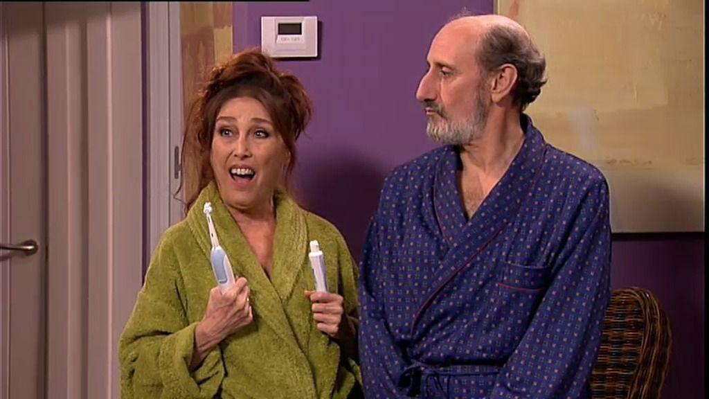 Teresa la alcaldesa y una arruinada Araceli invaden la casa de Enrique