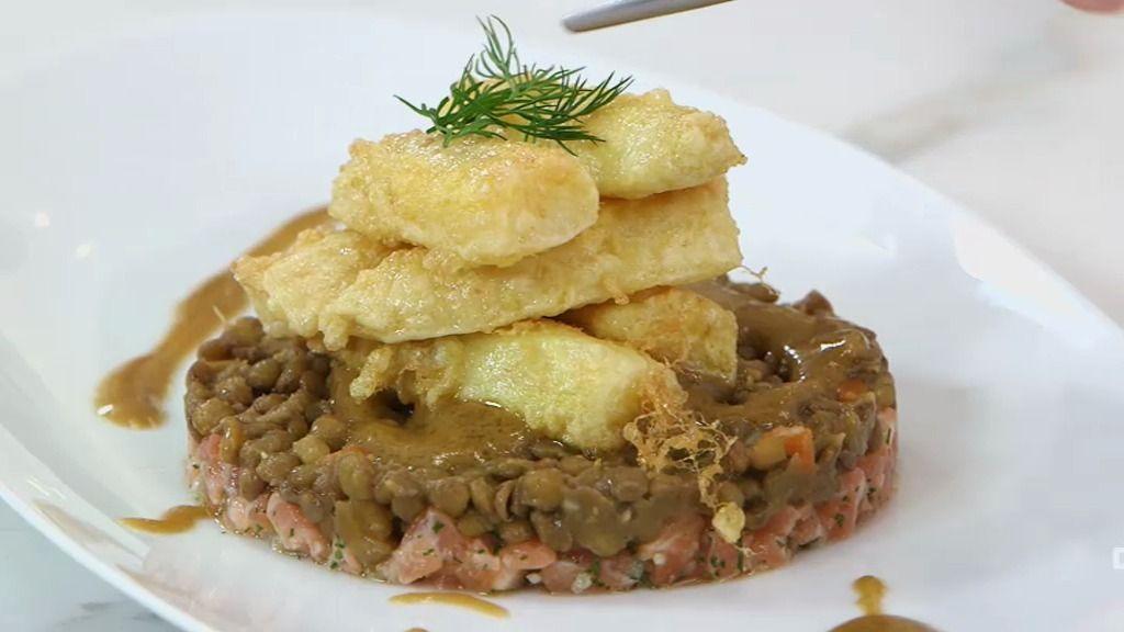 Tartar de salmón y espárragos de Navarra, una receta aristocráctica y con 'garrote'