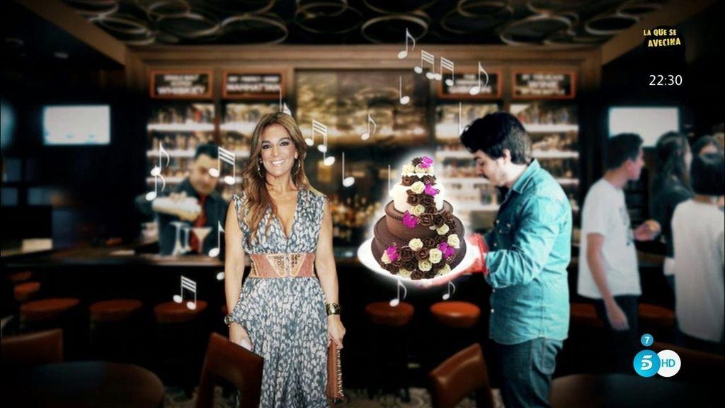 Raquel Bollo celebra su cumpleaños en secreto y 'Sálvame' recrea la fiesta