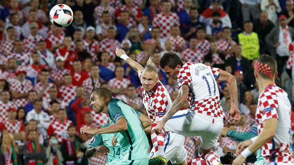 La ocasión más clara del partido fue para el croata Vida con un cabezazo que se fue fuera