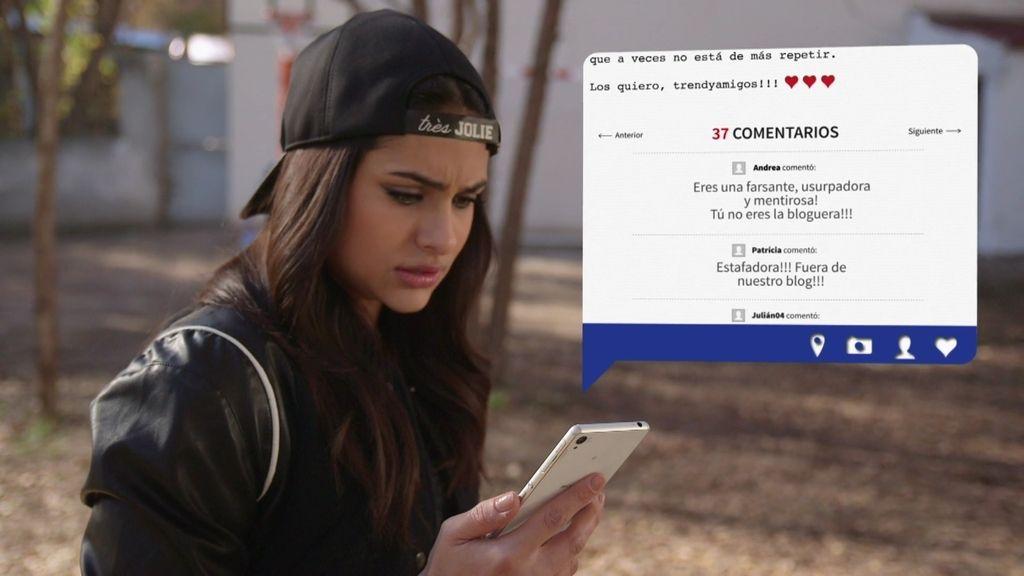 Camila siembra las dudas en los internautas: ¿Es realmente la bloguera de moda?