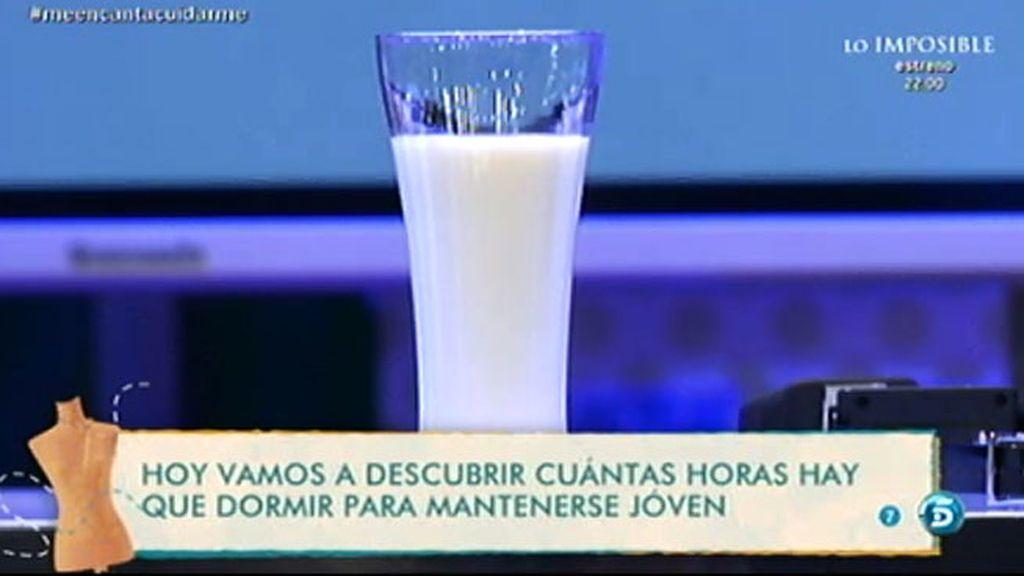 Un vaso de leche templada antes de dormir puede ayudarnos a descansar mejor