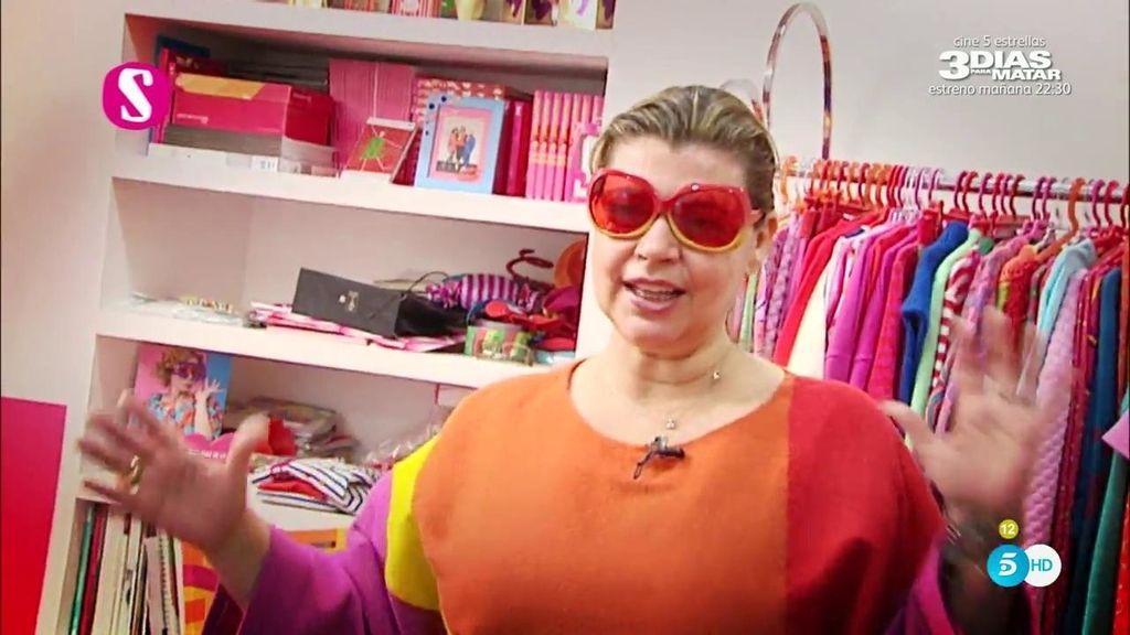 Terelu Campos prueba los diseños de Ágatha Ruiz de la Prada