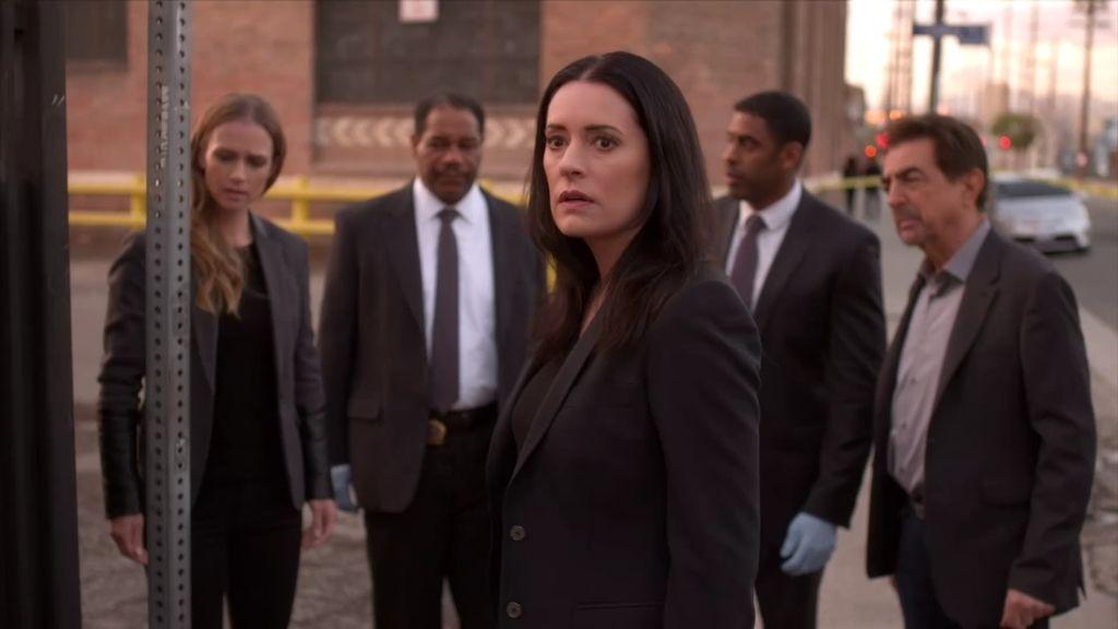 Emily Prentiss regresa a Nueva York para colaborar con el equipo de Hotchner