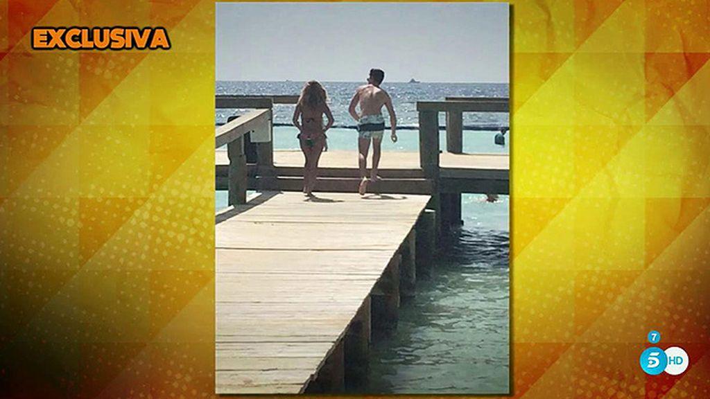 Las paradisiacas vacaciones de Isa Pantoja y su pareja, Alejandro Albalá
