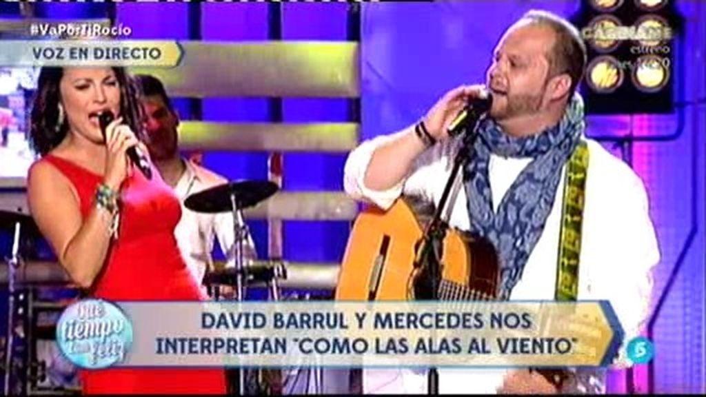 David Barrul y Mercedes Durán interpretan 'Como las alas al viento'