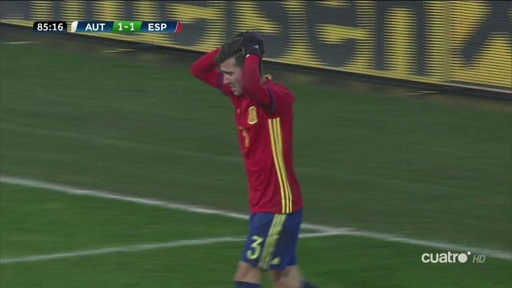 ¡Lo que ha fallado España! Munir y Gayá se estorbaron y el balón acabó fuera