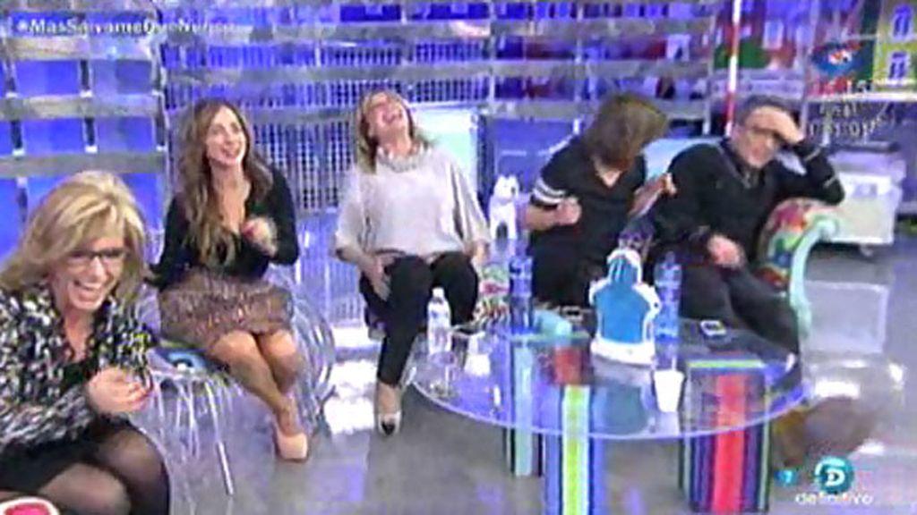 Los colaboradores se ríen de la entrevista de Chelo Gª Cortés a Mª José Campanario