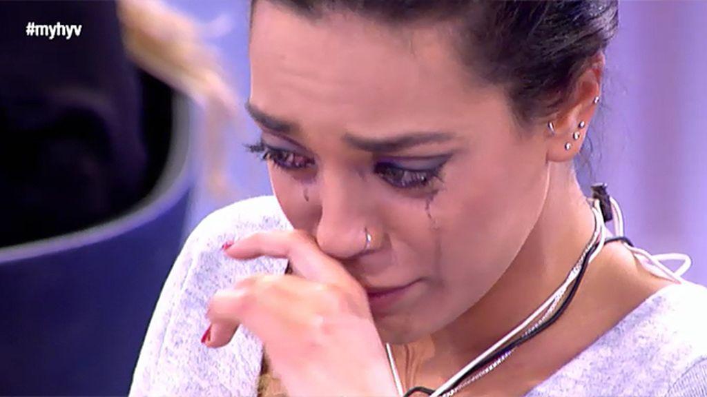 Nuria se hunde al ver a Fede besando a Gala