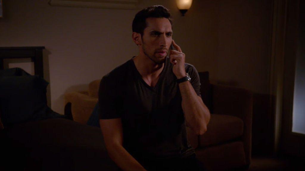 Adrian descubre la otra cara de Tony