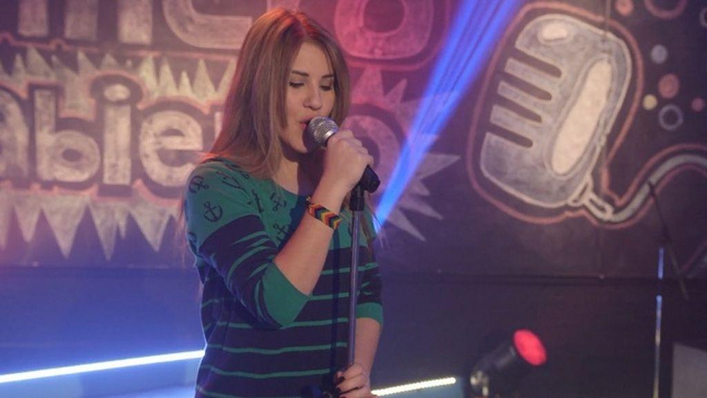 Lana actúa para Araceli en Micrófono Abierto