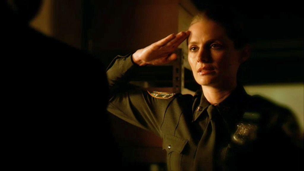 Beckett recuerda una conversación crucial mientras está malherida