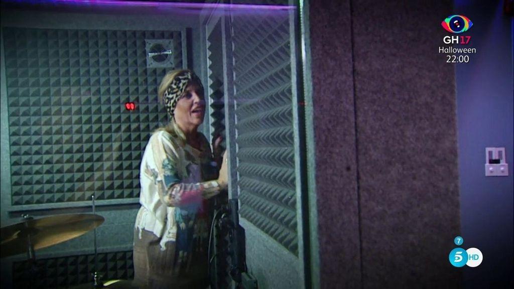Lydia Lozano se queda encerrada en el estudio durante sus ensayos