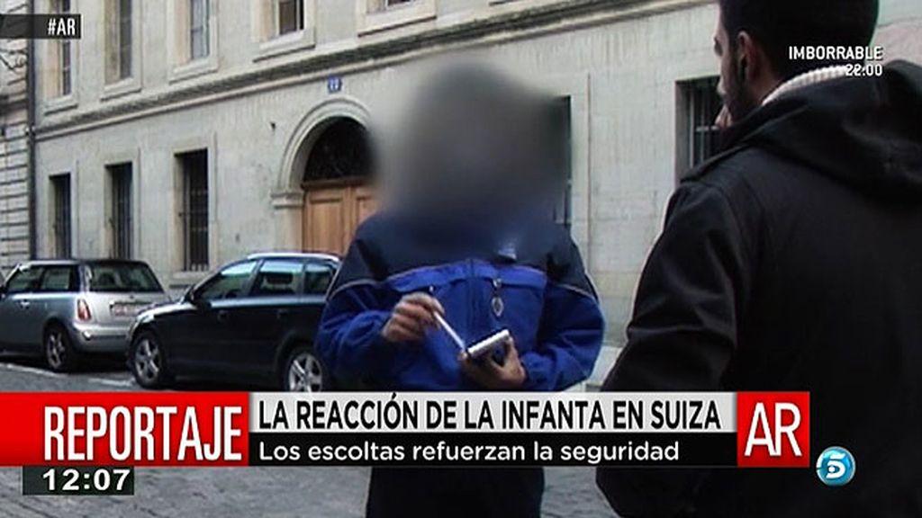 La policía de Ginebra obliga al equipo de 'AR' a retirar su vehículo de las inmediaciones del domicilio de la Infanta