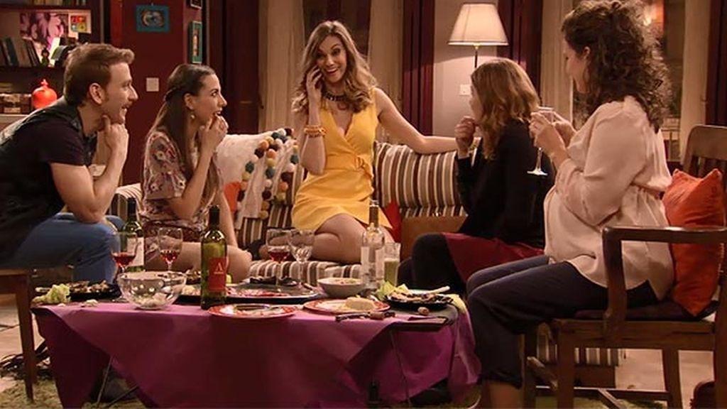 La amiga de la facultad de Lucía le va a conseguir una cita con Mario