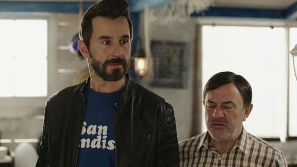 Dani, Vicente y Sergi intentan convencer a Pepe para que se olvide de 'Ángela'