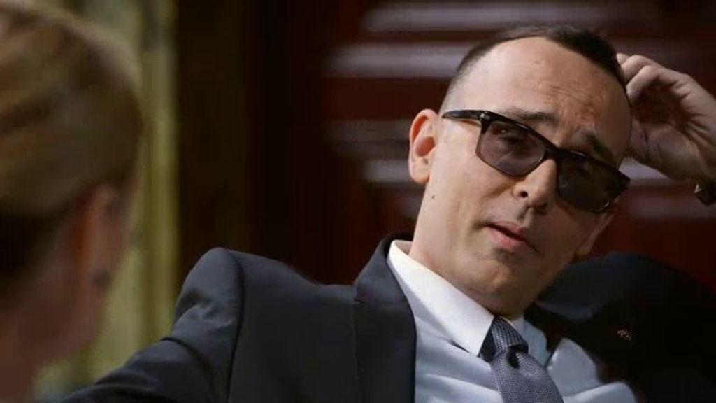 Risto, y el dilema de sus oscuras gafas