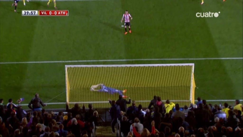¡Asenjo salva al Villarreal con dos paradones: un penalti y un rectificado a una mano!