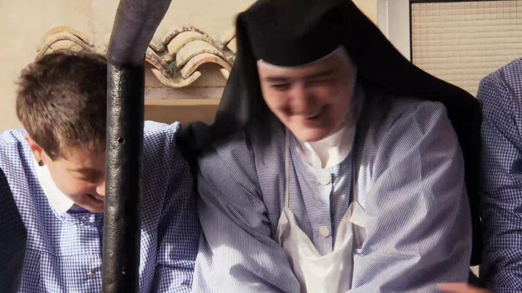 Sor Rocío, la hermana más seria del convento, también hace bromas