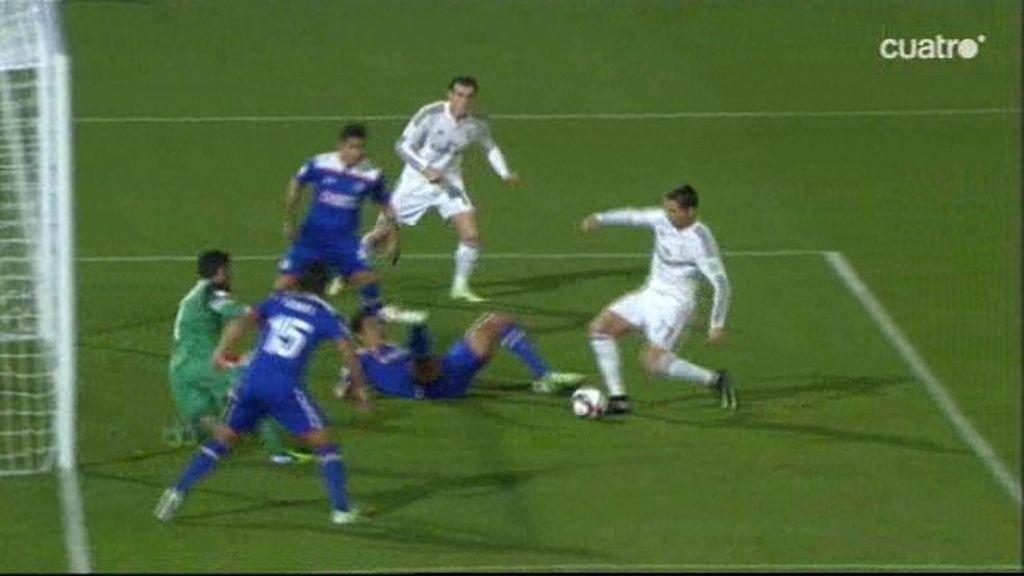 Cristiano falló un gol cantado a los tres minutos