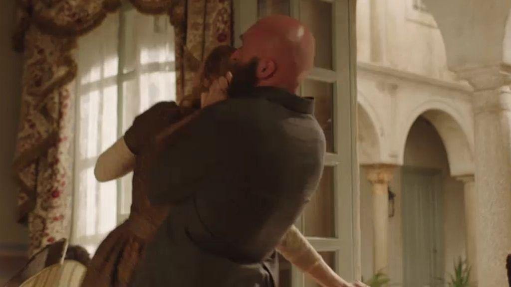 Elena, a punto de morir a manos de un sicario enviado por Nieves