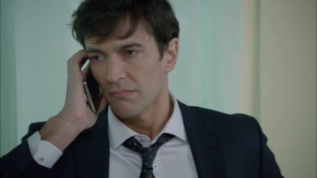 Cristóbal recibe una mala noticia sobre su padre... y se enfrenta a Bornay