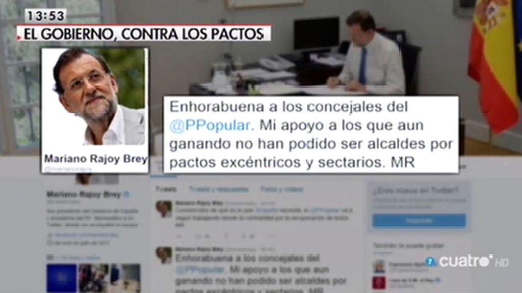 Rajoy califica los pactos como sectarios y Sánchez aboga por el cambio