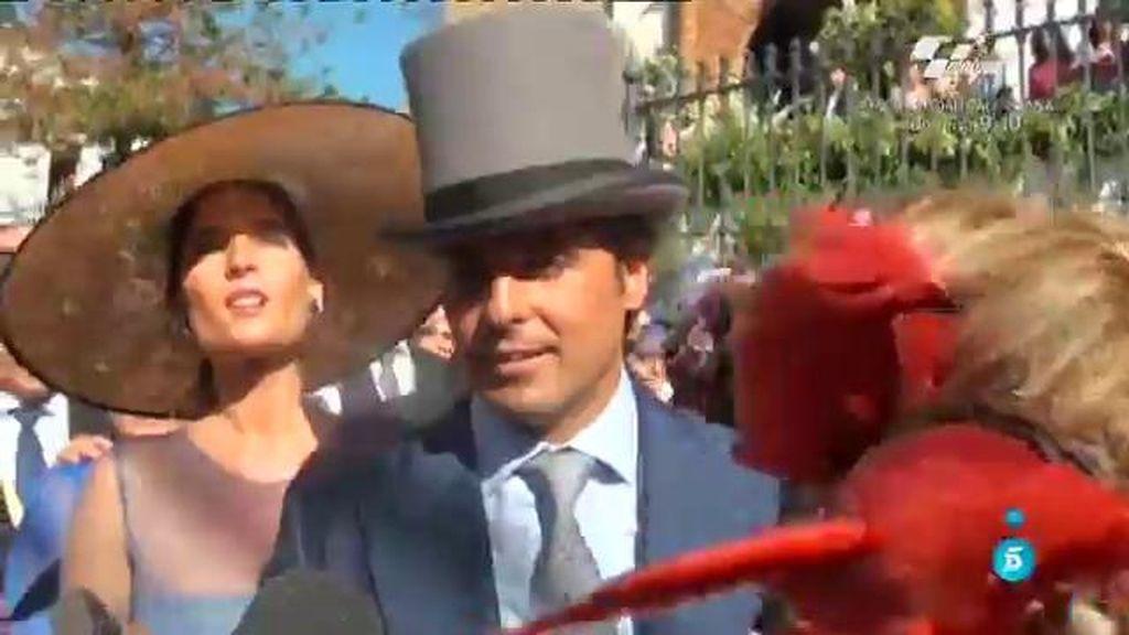 Los invitados de la boda de Cayetano y Eva, emocionados por asistir al evento