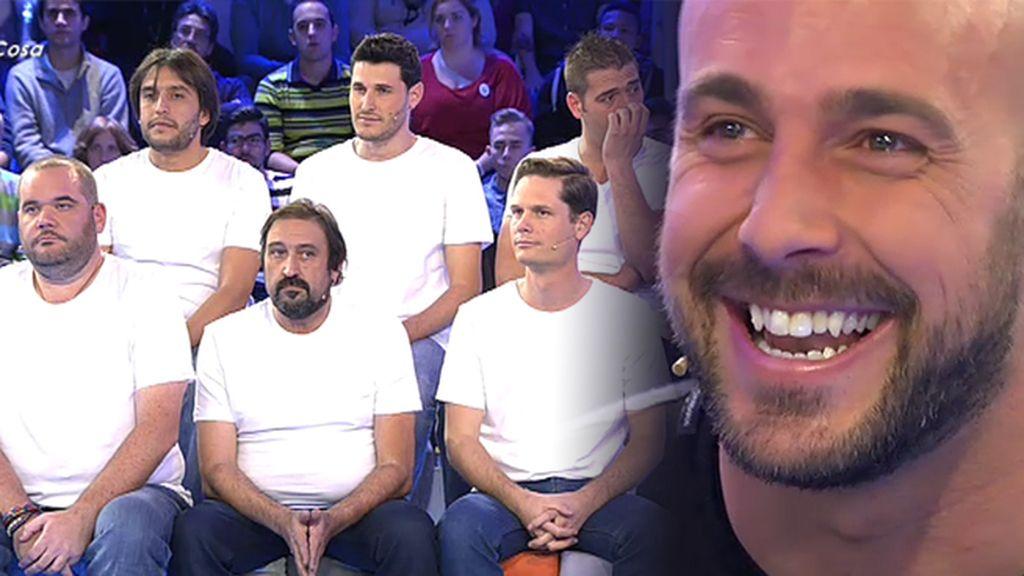 Pepe Reina presenta a sus amigos como hizo con los campeones del mundo