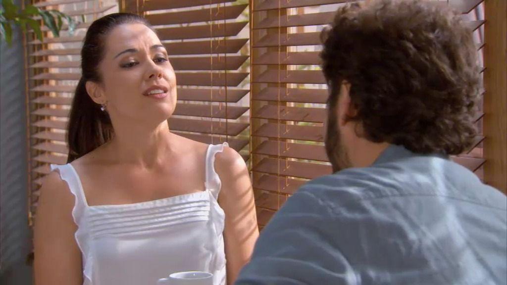 Sergio, tentado por Marga para asistir juntos a una cena de gala