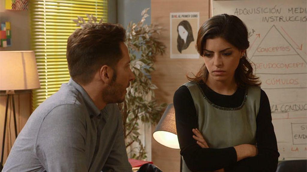 """Miguel, a Claudia : """"Te voy a dar tantas rosas como para llenar este despacho"""""""