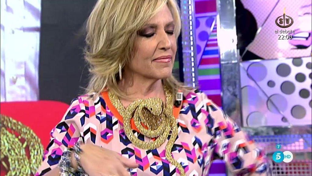 Lydia luce el famoso collar de Raquel Bollo