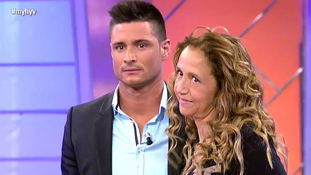"""Julia, madre de Ángel: """"Le aconsejo que cierre puertas porque se le van a abrir otras"""""""