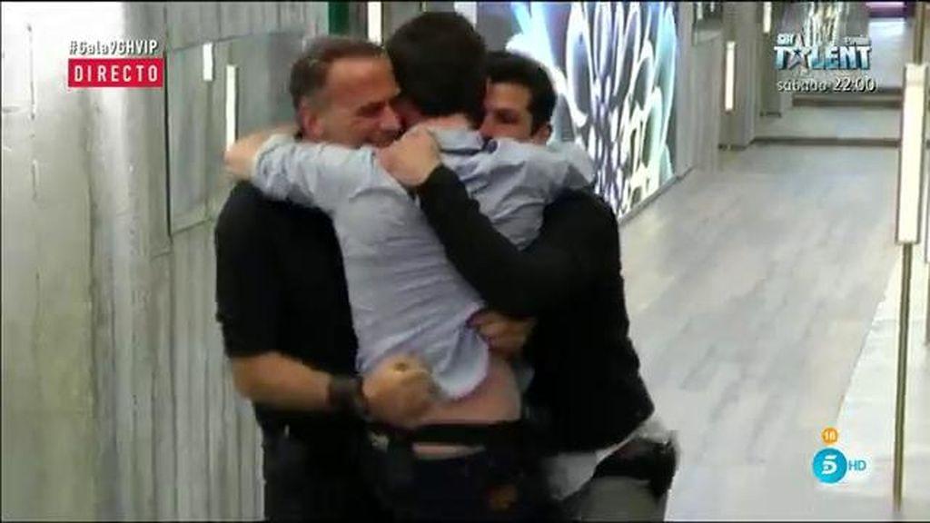 Fran Nicolás, el único que se alegra de la salvación de Alejandro y Carlos Lozano
