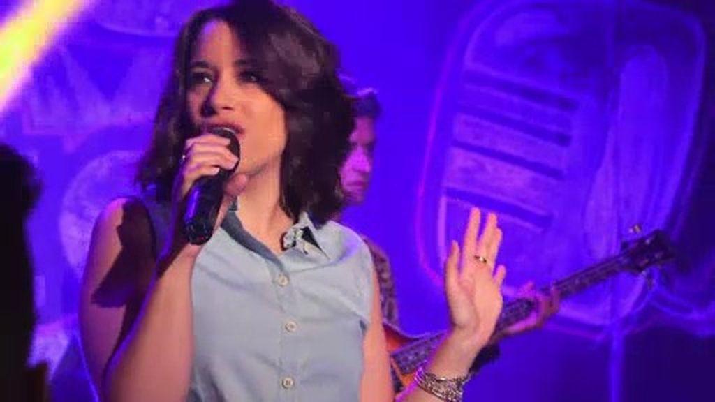 Paula Rojo conquista 'Micro Abierto' con su tema 'Miedo a querer'