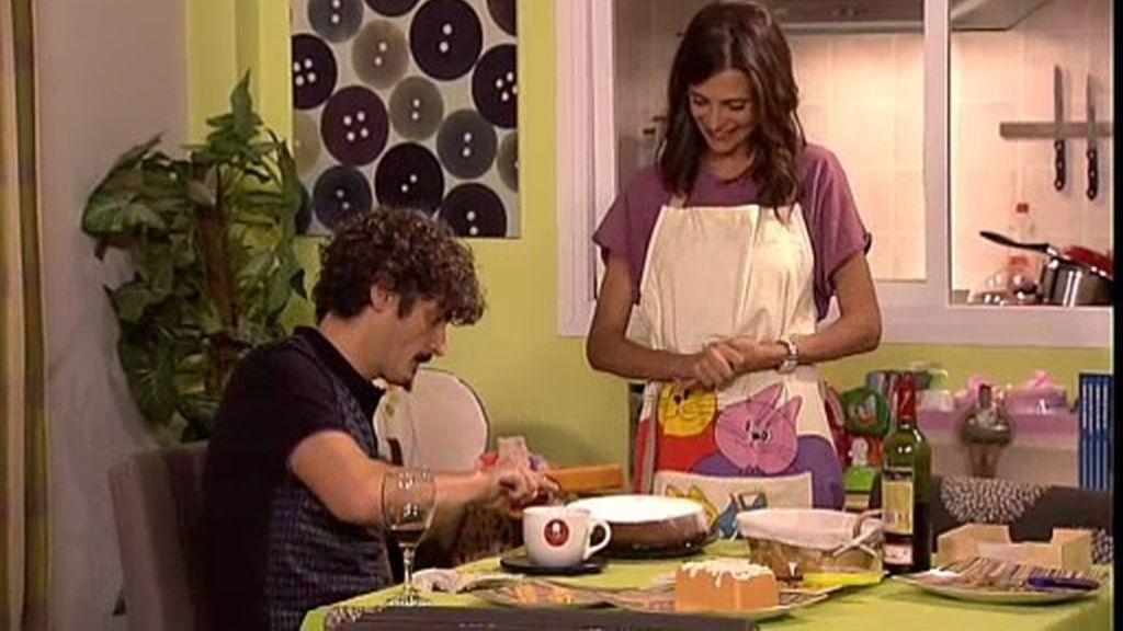 Berta y sus consejos convierten a Lola en una auténtica ama de casa