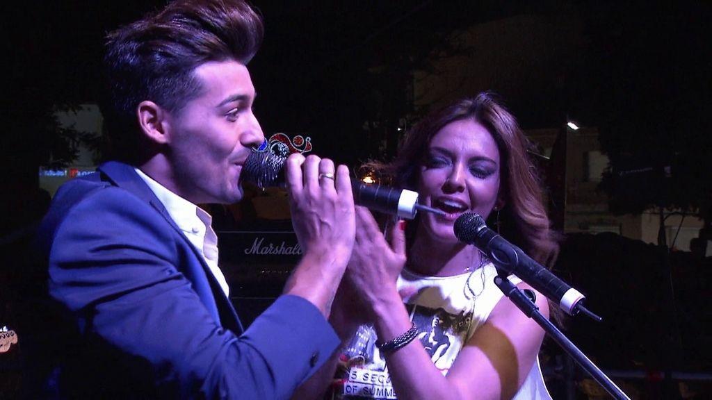 Jorge lo da todo en su concierto benéfico ¡y consigue el dinero para el local!