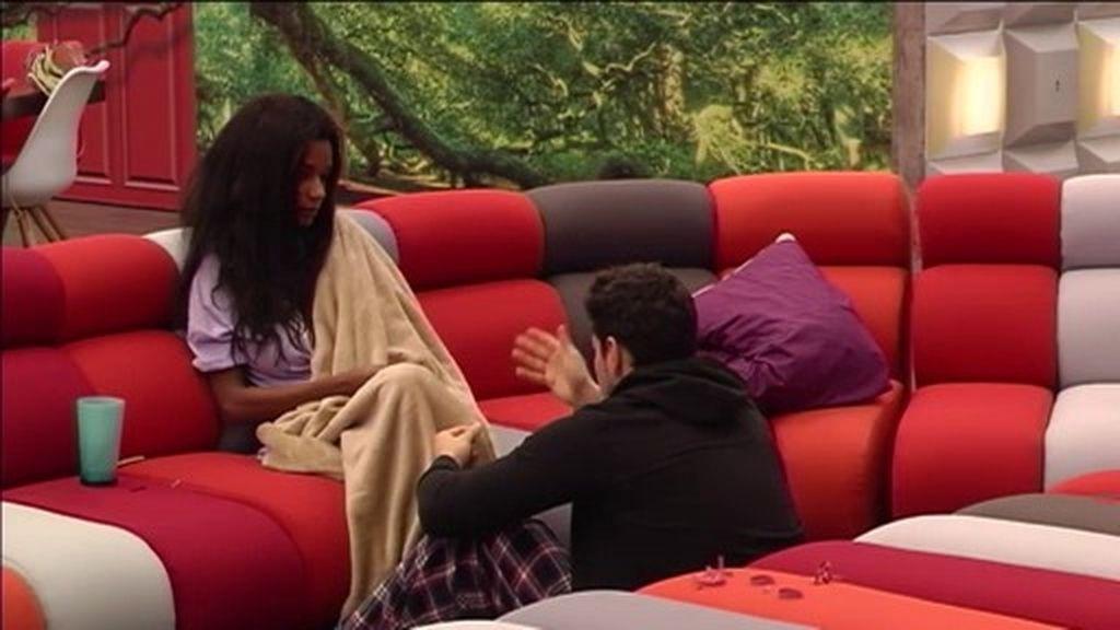 """Alejandro se sincera con Liz: """"No sé si me gustas, todavía no te conozco"""""""