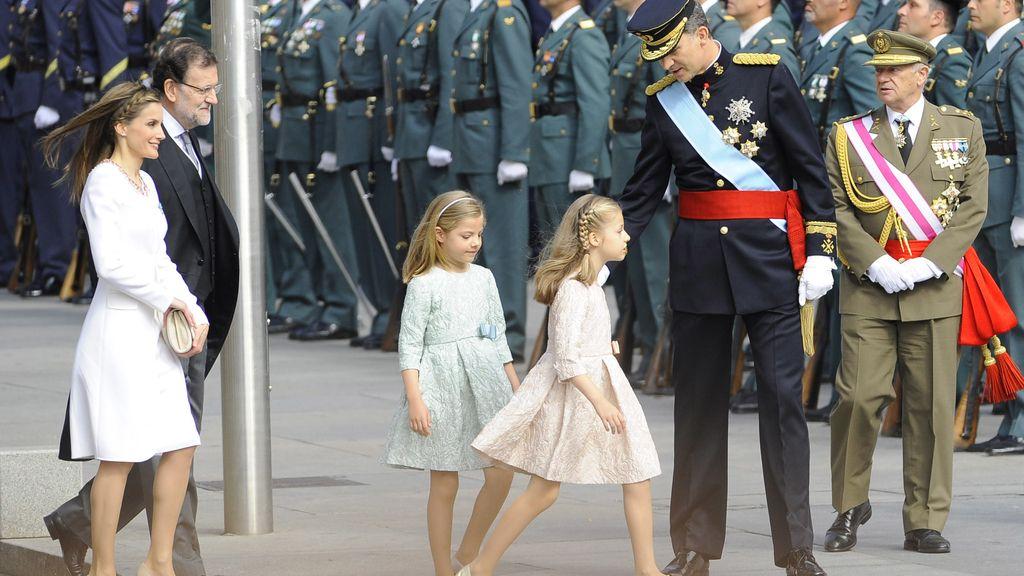 """La diseñadora de las niñas: """"La Reina pidió vestidos sencillos y de manga francesa"""""""