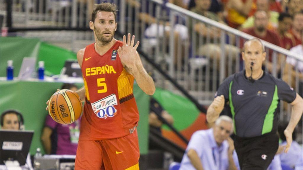 Navarro y Rudy machacan la canasta iraní desde más allá de la línea de tres puntos
