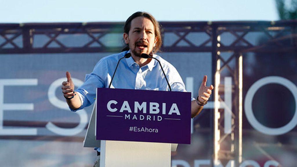 """Podemos """"En 2011 salimos a las plazas, en 2015 les vamos a echar del palacio"""""""