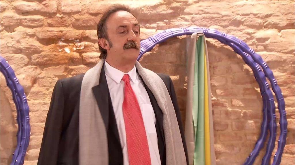 ¿Por qué Velasco va en traje al 'Gym Tony'?
