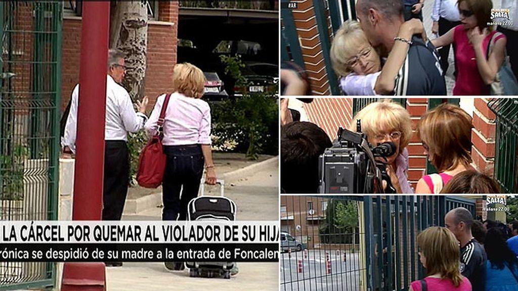 Mari Carmen se despide de su familia a las puertas de la cárcel de Fontcalent