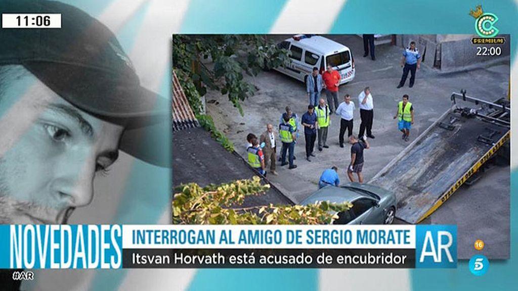 Los investigadores españoles realizan la inspección del coche de Sergio Morate