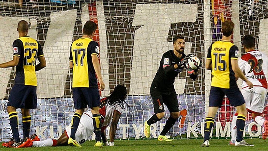 El Atlético no perdió mordiente sin Simeone pero el Rayo lo supo maniatar
