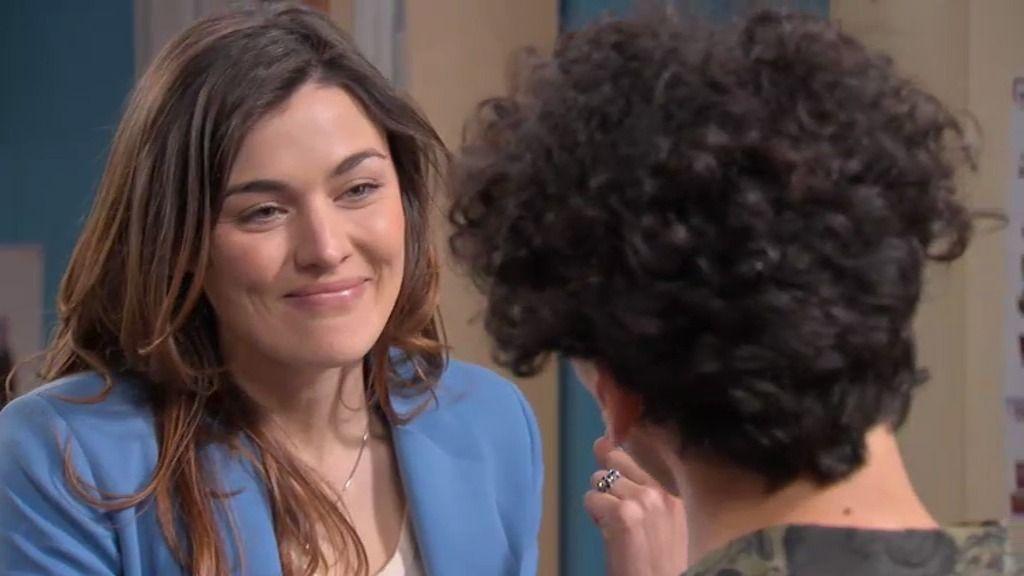 Natalia se siente perdida y acude a la consulta de Riquelme