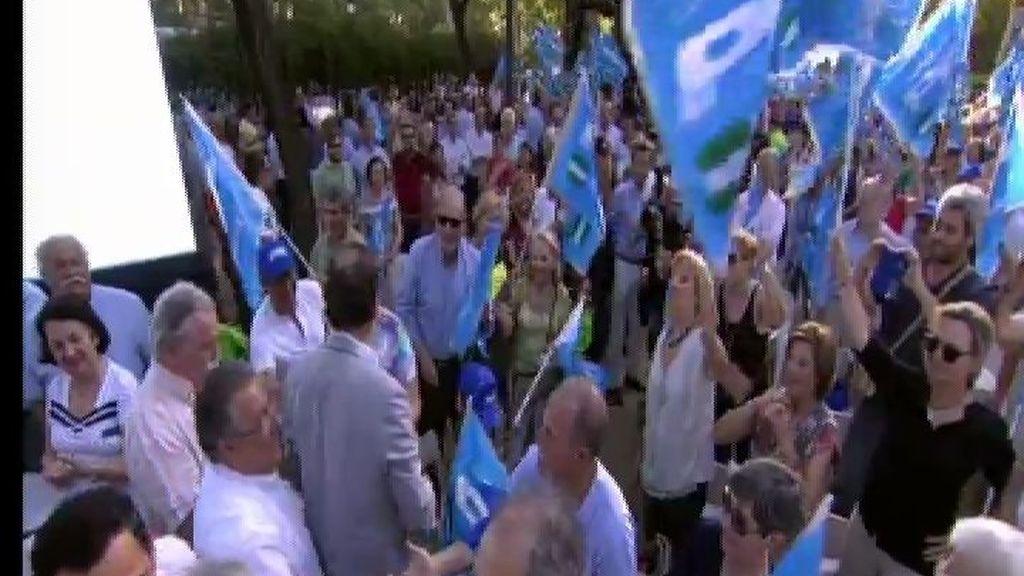 Increpan a un grupo de voluntarios del PP en Madrid