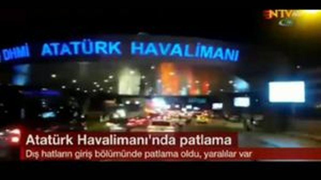 Primeras imágenes del atentado contra el aeropuerto Ataturk de Estambul