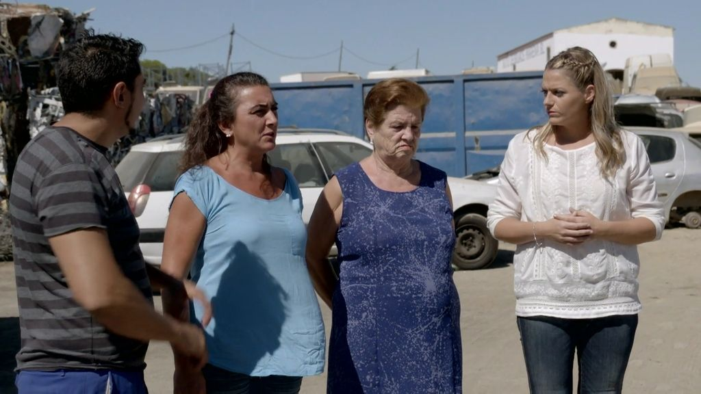 Las quejas de la madre y la abuela de Laura complican aún más la relación