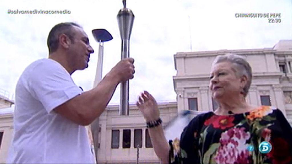 Mari, la madre de Jorge Javier Vázquez, enciende la llama de 'Sálvame'